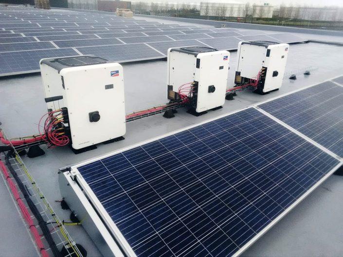 Bedrijfsdak zonnepanelen SMA CORE1